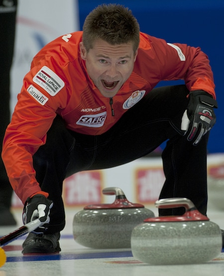 Mike McEwen calls out instructions to sweepers. (Photo, CCA/Michael Burns)
