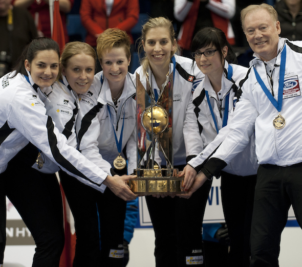 Team Switzerland, from left, Binia Feltscher, Irene Schori, Fränziska Kaufmann, Christine Urech, Carole Howald, Al Moore. (Photo, CCA/Michael Burns)