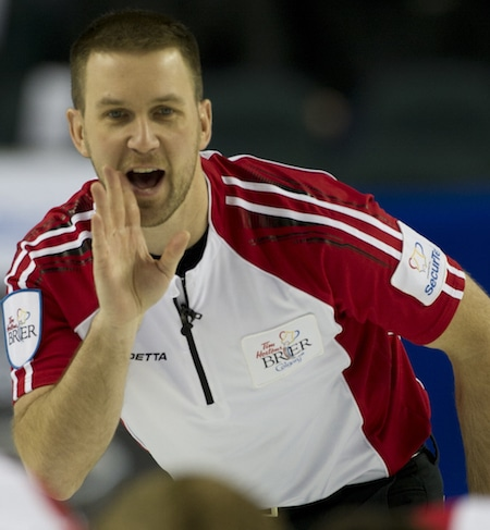 Newfoundland/Labrador skip Brad Gushue calls instructions to sweepers. (Photo, Curling Canada/Michael Burns)