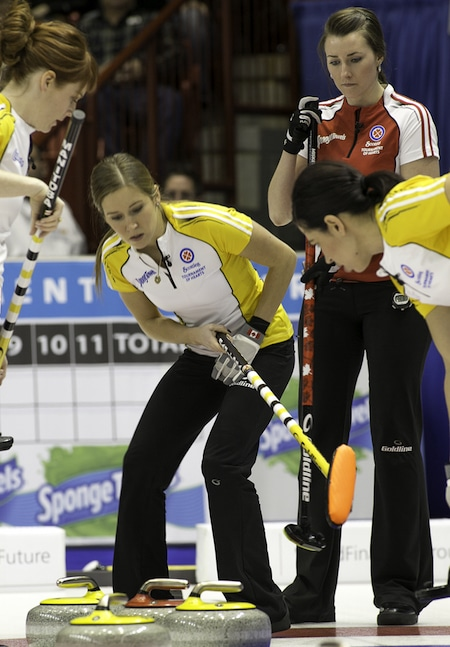 Manitoba third Kaitlyn Lawes directs traffic in the house. (Photo, CCA/Andrew Klaver)