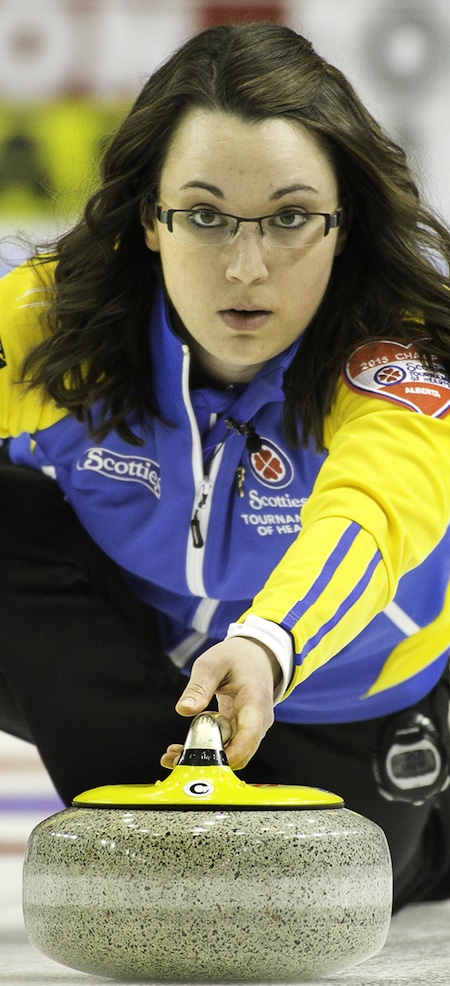 Alberta's Val Sweeting continues to be on target at the 2015 Scotties. (Photo, CCA/Andrew Klaver)