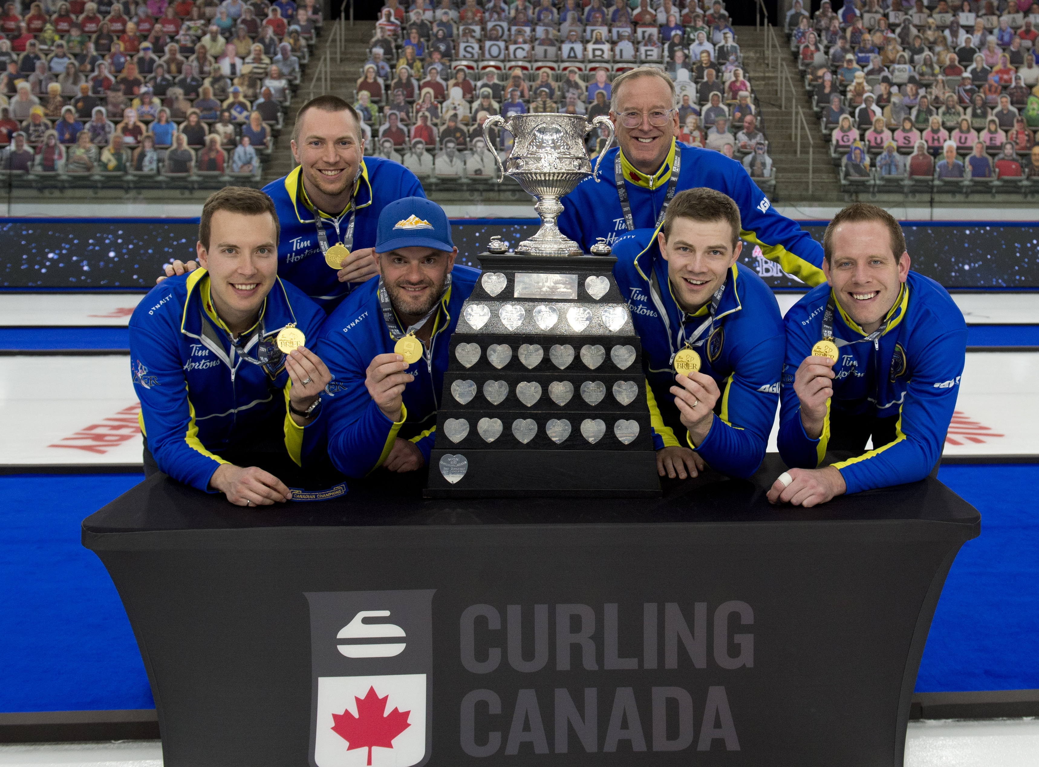 Photo of the 2020-21 Canadian men's curling team.