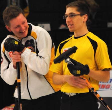 Manitoba capitaine Braden Calvert, gauche, part un rire avec seconde Lucas Van Den Bosch. (Photo, Amanda Rumboldt)