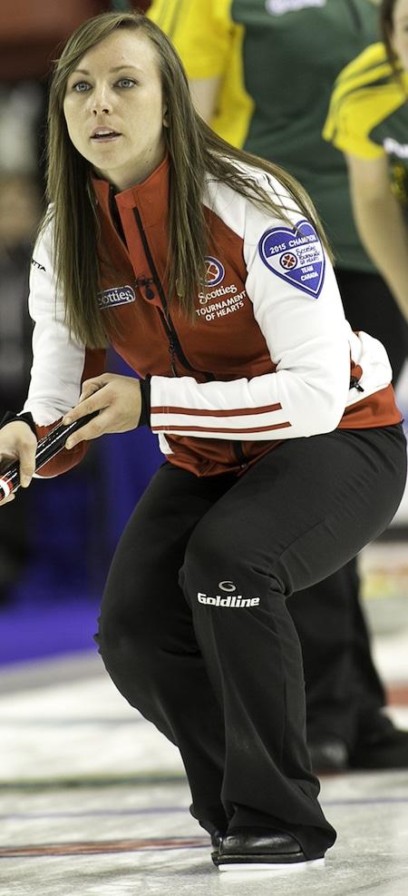 Équipe Canada capitaine Rachel Homan cloué la quatrième et dernière place en séries éliminatoires avec une victoire sur Nord de l'Ontario. (Photo, CCA / Andrew Klaver)