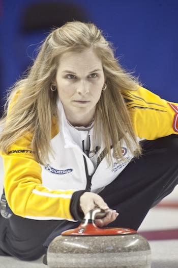 Jennifer Jones du Manitoba est à la recherche de donner suite à sa victoire de la médaille d'or olympique de l'an dernier. (Photo, ACC / Andrew Klaver)