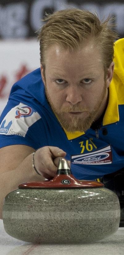 Niklas Edin de la Suède se est remis sur la bonne voie avec une victoire mardi matin. (Photo, Curling Canada / Michael Burns)