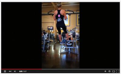 Cliquez sur la photo pour voir la vidéo de Ashley Quick dans la formation.