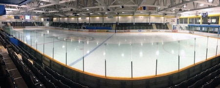 L'arène Archie Browning Sports Centre.