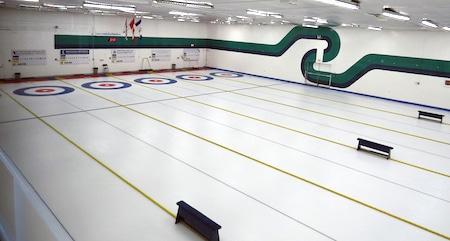 Le Esquimalt Curling Club.