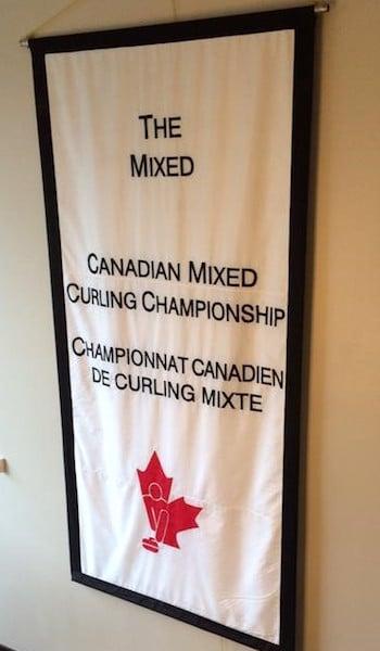 La bannière de l'hôte pour le mixte 2016 canadien.