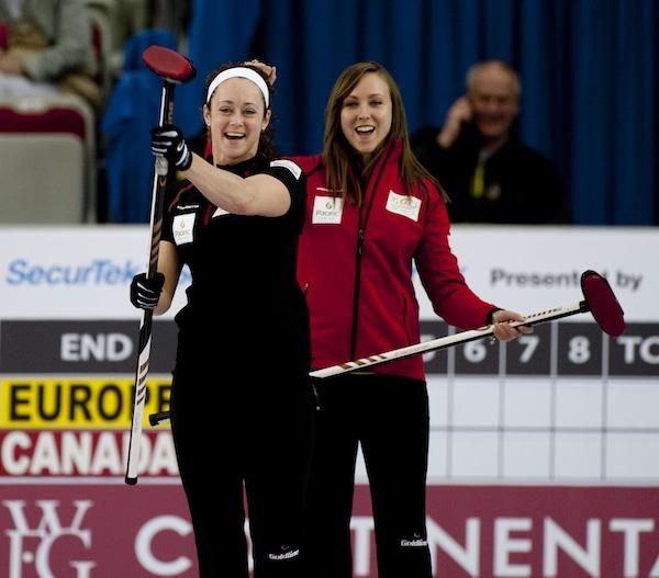 2015 World Financial Group Continental Cup Curling, Calgary AB, Joanne Courtney, Rachel Homan, CCA/michael burns photo