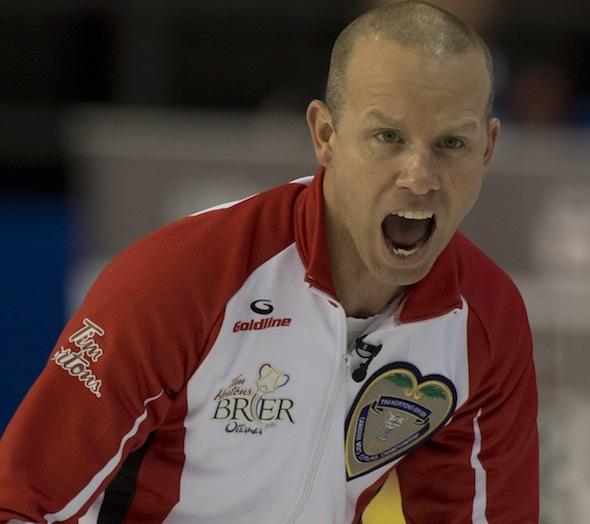 Pat Simmons et Équipe Canada sont un départ de 2-0 au Brier Tim Hortons 2016. (Photo, Curling Canada / Michael Burns)