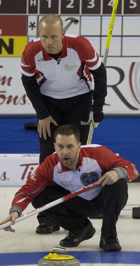 Terre-Neuve / Labrador capitaine Brad Gushue et son équipe a remporté une épreuve de force contre Équipe Canada mercredi matin. (Photo, Curling Canada / Michael Burns)