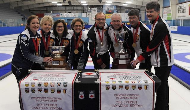 Left to right: Team Nova Scotia (Colleen Jones, Kim Kelly, Mary Sue Radford and Nancy Delahunt) and Team Ontario (Ken Sullivan, Doug Johnston, Ian MacAulay and skip Bryan Cochrane) are the 2016 Everest Senior Curling Champions (Curling Canada/Mike Lewis photo)
