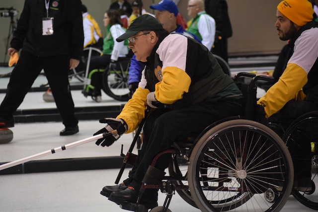 Northern Ontario third Gino Sonego in action at the 2016 Canadian Wheelchair Championship in Regina (Curling Canada/Morgan Daw photo)