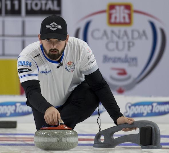 Reid Carruthers est à une victoire du titre masculin de Coupe Canada Home Hardware. (Photo, Curling Canada / Michael Burns)