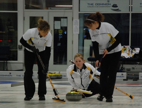 Manitoba women upset Ontario to win The Dominion Curling Club Championship