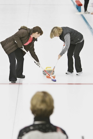 Getting Started in Curling – The Right Way