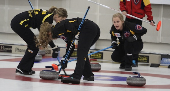 New Brunswick girls scrape into championship round at Canadian Juniors
