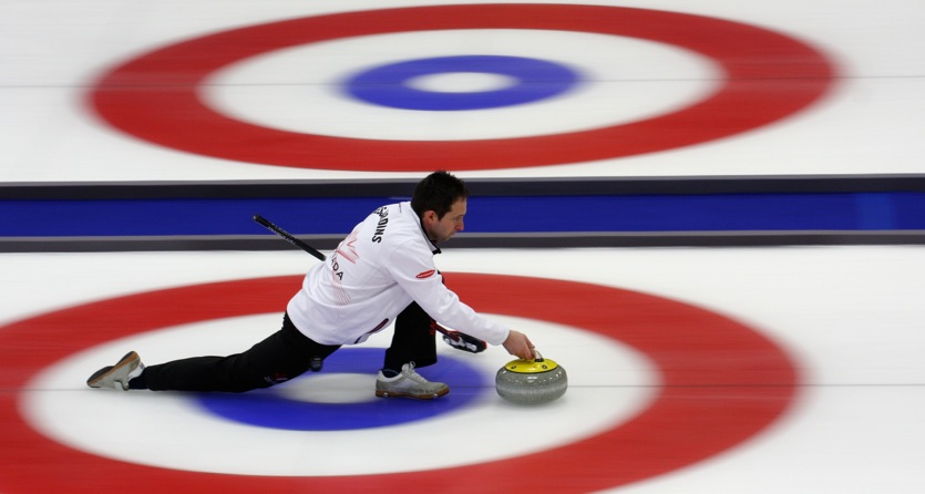 Team Canada back in playoff hunt at World Mixed Doubles