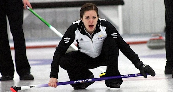 Laura Crocker in action during the 2012 CIS/CCA University Curling Championship in Welland, Ont. (Photo CIS/CCA University Curling Championships)