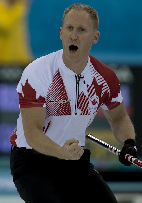 Les célébrations étaient de retour en tant que Team Canada a battu la Russie mardi soir à Sotchi. (Photo, CCA / Michael Burns)