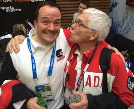 Équipe Canada Chef d'équipe Paul Webster partage un moment spécial avec entraîneur de l'équipe Jacobs Tom Coulterman à Sotchi.