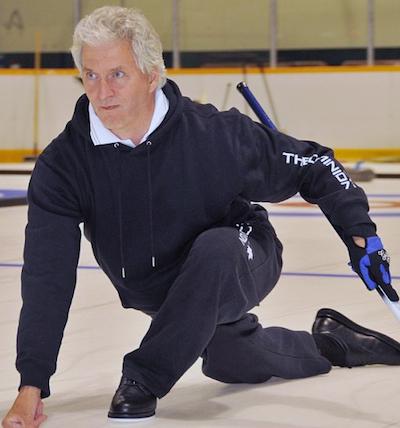 En plus d'être un joueur de longue date, George Cooke a été un partisan passionné de sport du curling. (Photo, courtoisie George Cooke)
